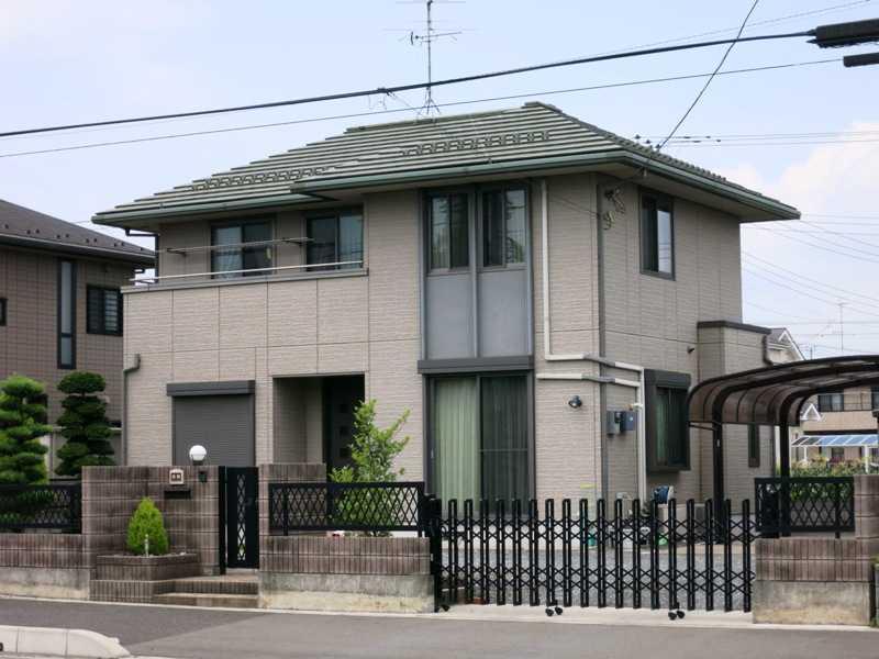 Kombinasi desain rumah jepang bertingkat tampak depan