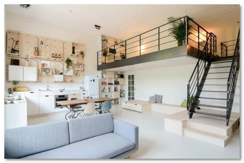 Desain Lantai 2 Untuk Balkon di Dalam Ruangan