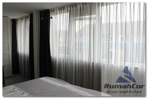 model vitrage untuk jendela kamar minimalis