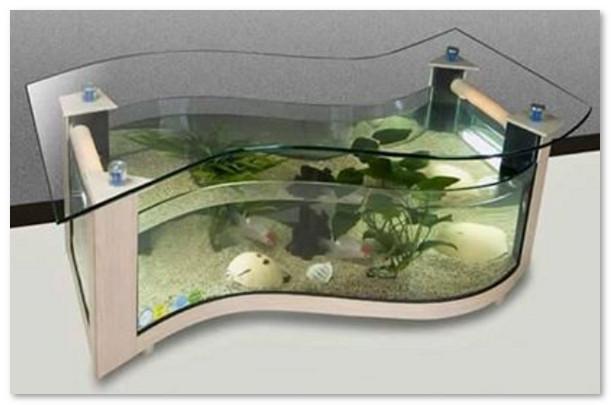 desain unik aquarium meja tamu