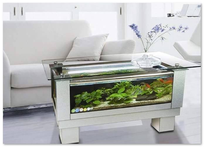 meja tamu dari akuarium