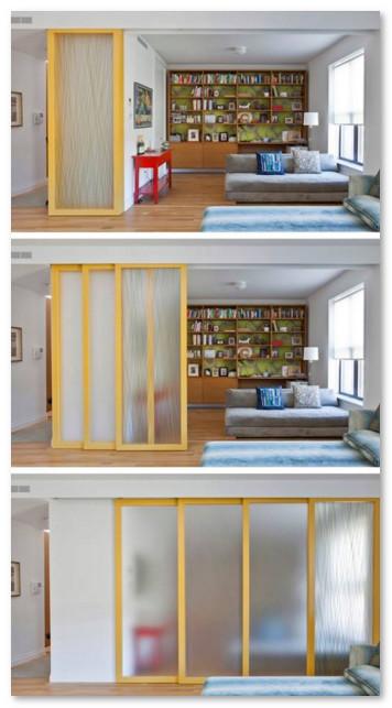 pintu geser tumpuk efisien pada rumah minimalis
