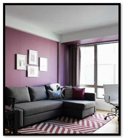 ide dekorasi ruang tamu warna ungu desain rumah unik