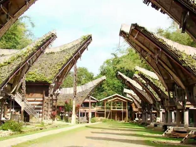 Desain Unik Rumah Adat Toraja