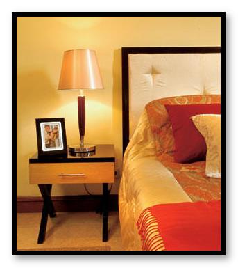 contoh meja nakas pada tempat tidur
