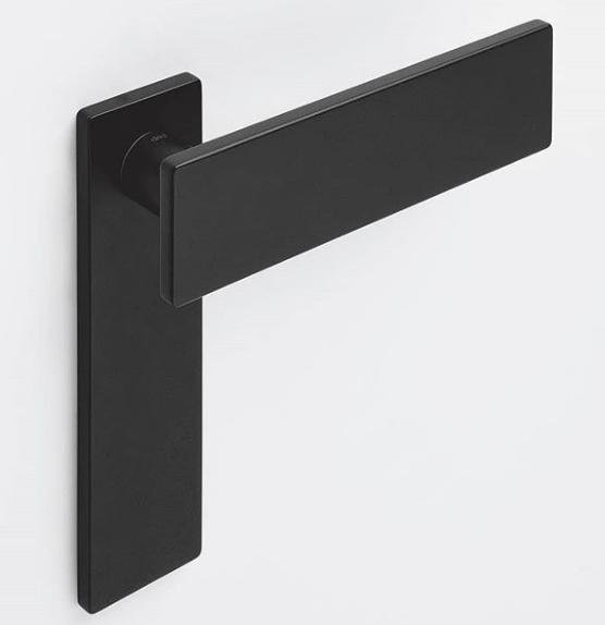 pegangan pintu (handle door) yang modern simple minimalis