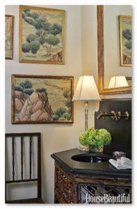 Adanya Lukisan pemandangan di dinding yang keren