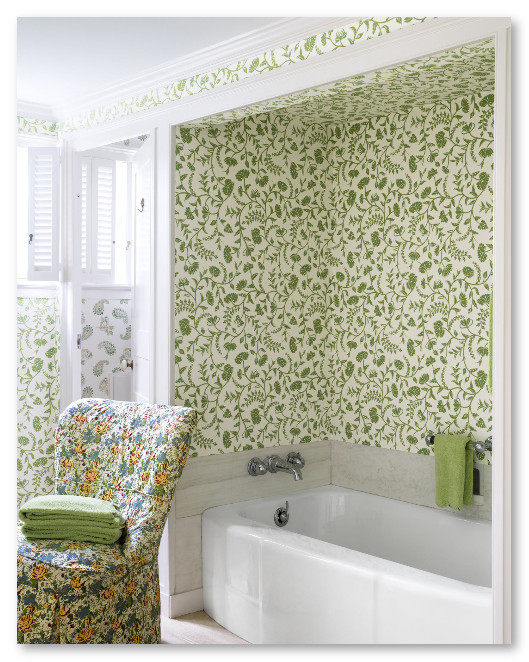 bathtub dengan wallpaper flower alami hijau