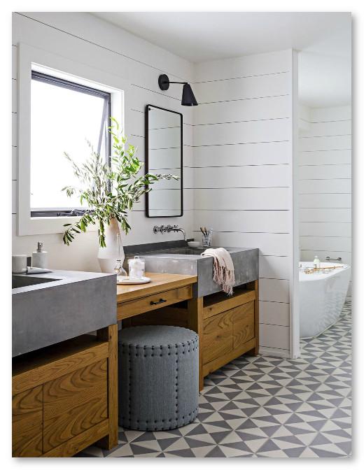 kamar mandi dengan penerangan alami, dan udara yang sehat