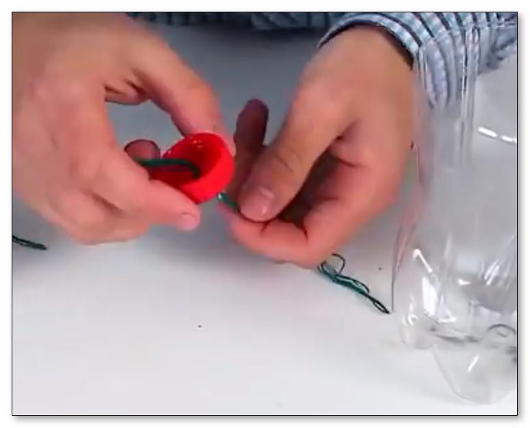 Lubangi Tutup Botol