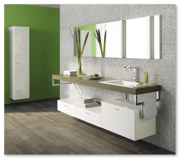 cermin kamar mandi dan ventilasinya