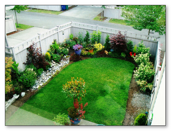 desain cantik taman belakang rumah