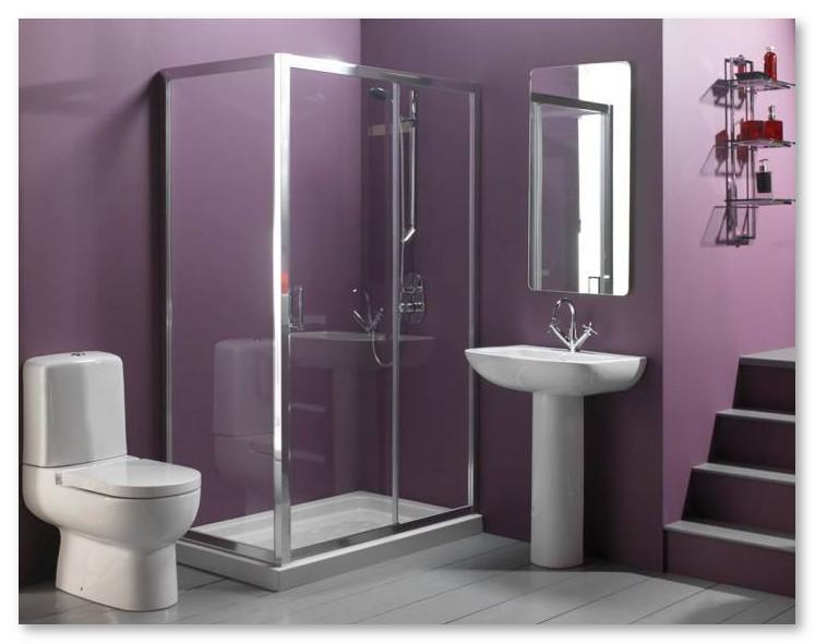 desain kamar mandi ungu rapi