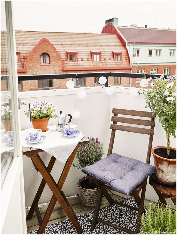 membuat taman cantik di balkon