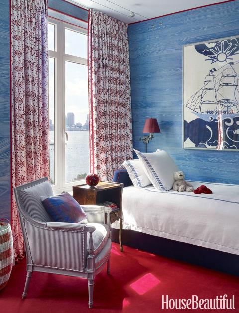 kamar tidur klasik warna biru