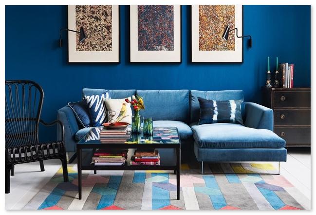 ruang tamu minimalis biru tampak elegan