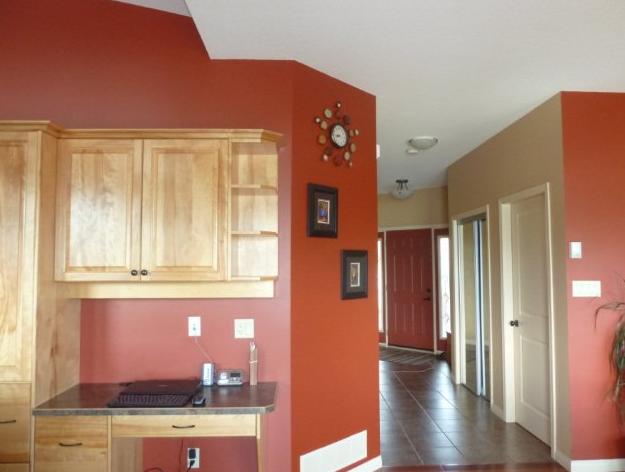 warna interior merah adem untuk interior rumah