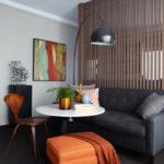 contoh-ruang-tamu-coklat-dan-abu-minimalis-kecil-untuk-apartemen