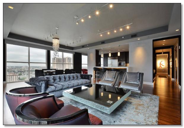 desain ruang tamu modern minimalis dipadukan dengan furniture klasik