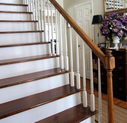 desain-tangga-klasik-dengan-kayu-yang-membuat-elegan