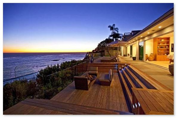 pemandangan rumah di pinggir pantai