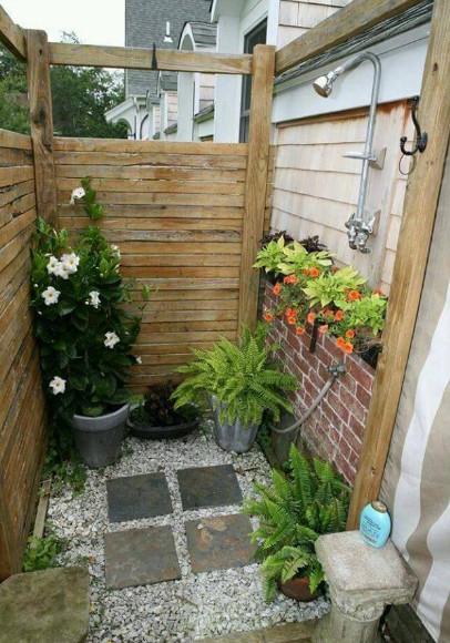 desain kamar mandi outdoor alami