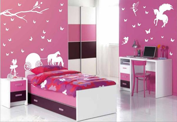 wallpaper pada kamar tidur anak ceria