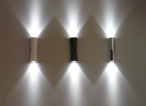 kreasi lampu led nyentrik sebagai hiasan dinding