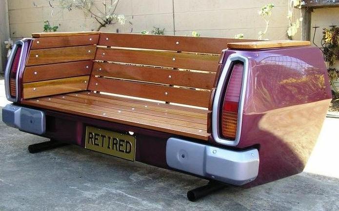 kursi taman unik keren dari sepakbor belakang mobil