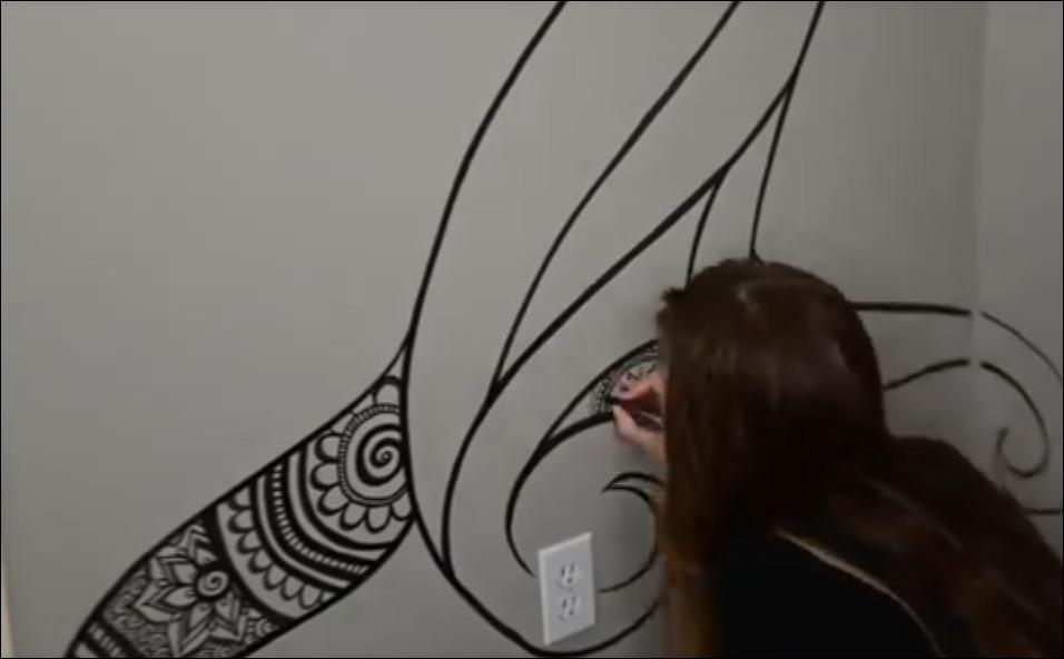 melukis dinding dengan spidol