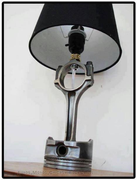 piston bekas jadi lampu meja unik