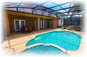 kolam renang kolam rendam di dalam rumah