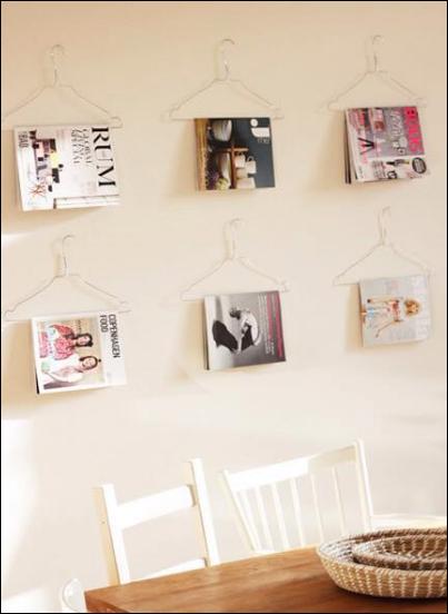 rak buku dinding dari hanger