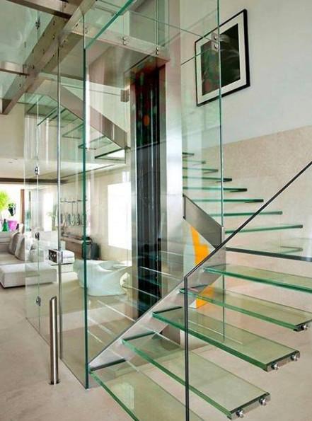 tangga kaca yang keren