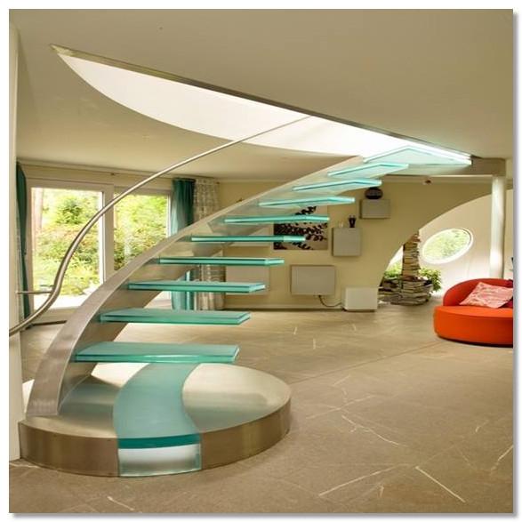 tangga keren dengan kaca melayang