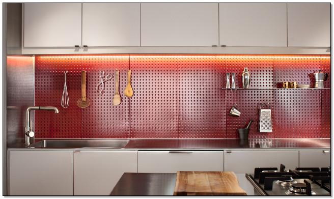 Membuat dapur semakin rapi dan cantik dengan pegboard for Kitchen set jadi