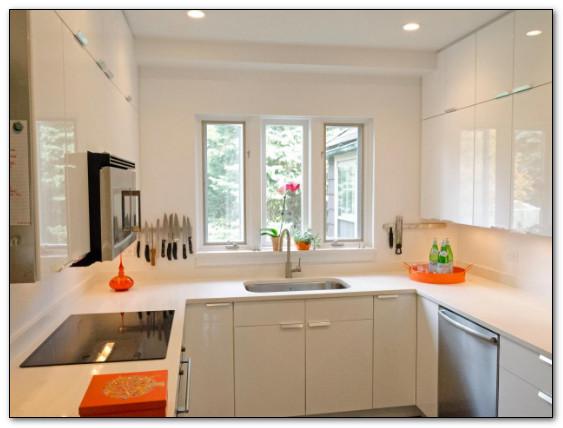 dapur sempit minimalis ukuran 2x2