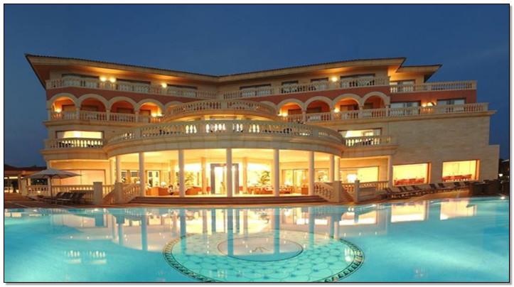 rumah terbagus di dunia dengan kolam luas