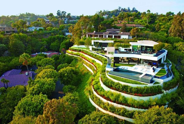 rumah terbagus di dunia di atas bukit