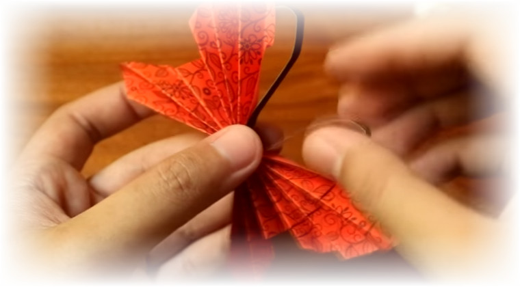 seni origami untuk hiasan dinding kamar