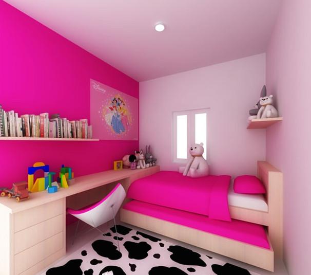 tempat tidur dan nuansa warna pink kamar anak perempuan
