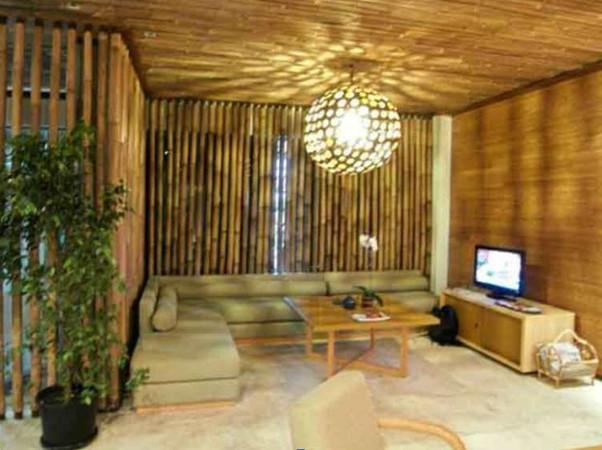 interior rumah bambu