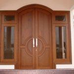 pintu 2 pintu dengan jendela samping