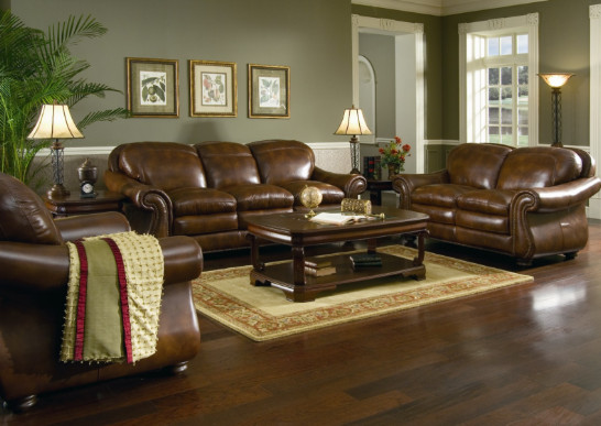 warna coklat sofa klasik ruang tamu