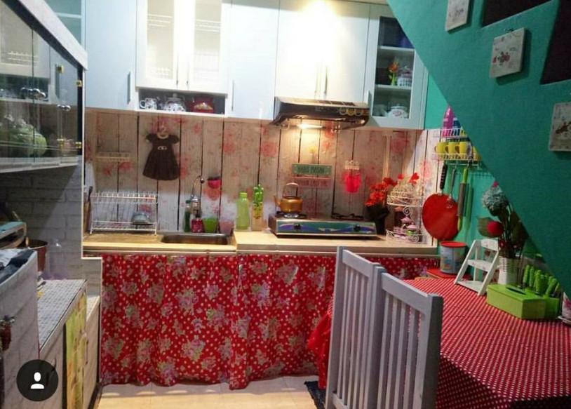 Koleksi Gorden Tirai Kolong Dapur Yang Membuat Dapur Lebih Cantik