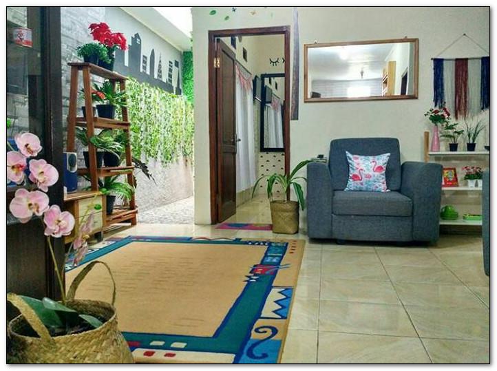 space ruang keluarga ruang hiburan dengan full aksesoris