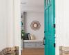 desain pintu menarik warna biru tosca