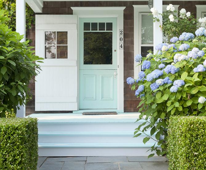 pintu rumah warna biru tosca keren