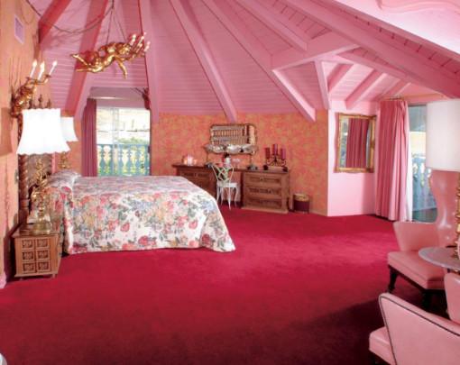 desain pink plafon kamar atap loteng