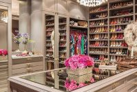 Desain Ruangan Lemari Koleksi Sepatu Mewah yang Ekslusif Luxurious Mahal Branded